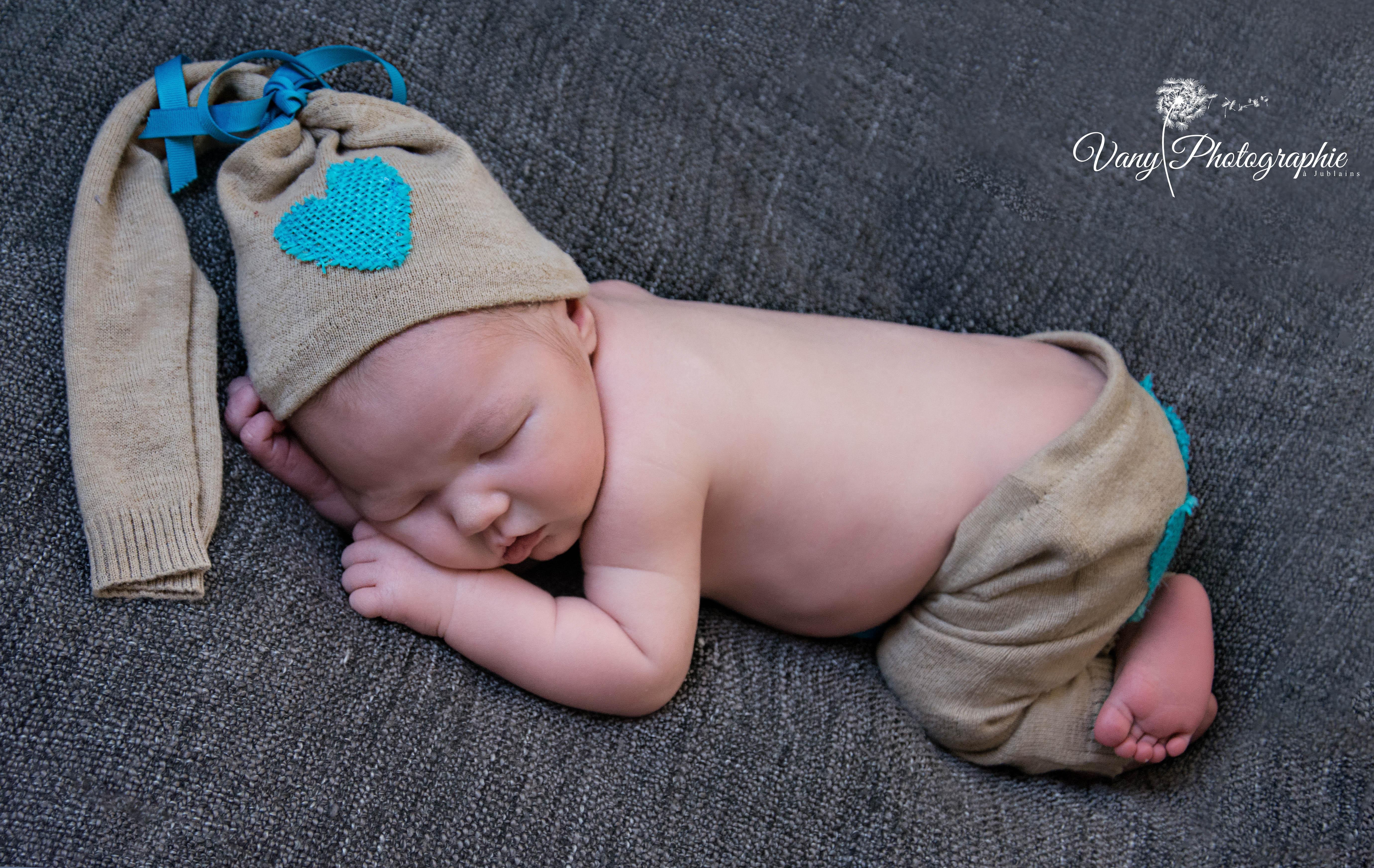 Photographe nouveau né en Mayenne