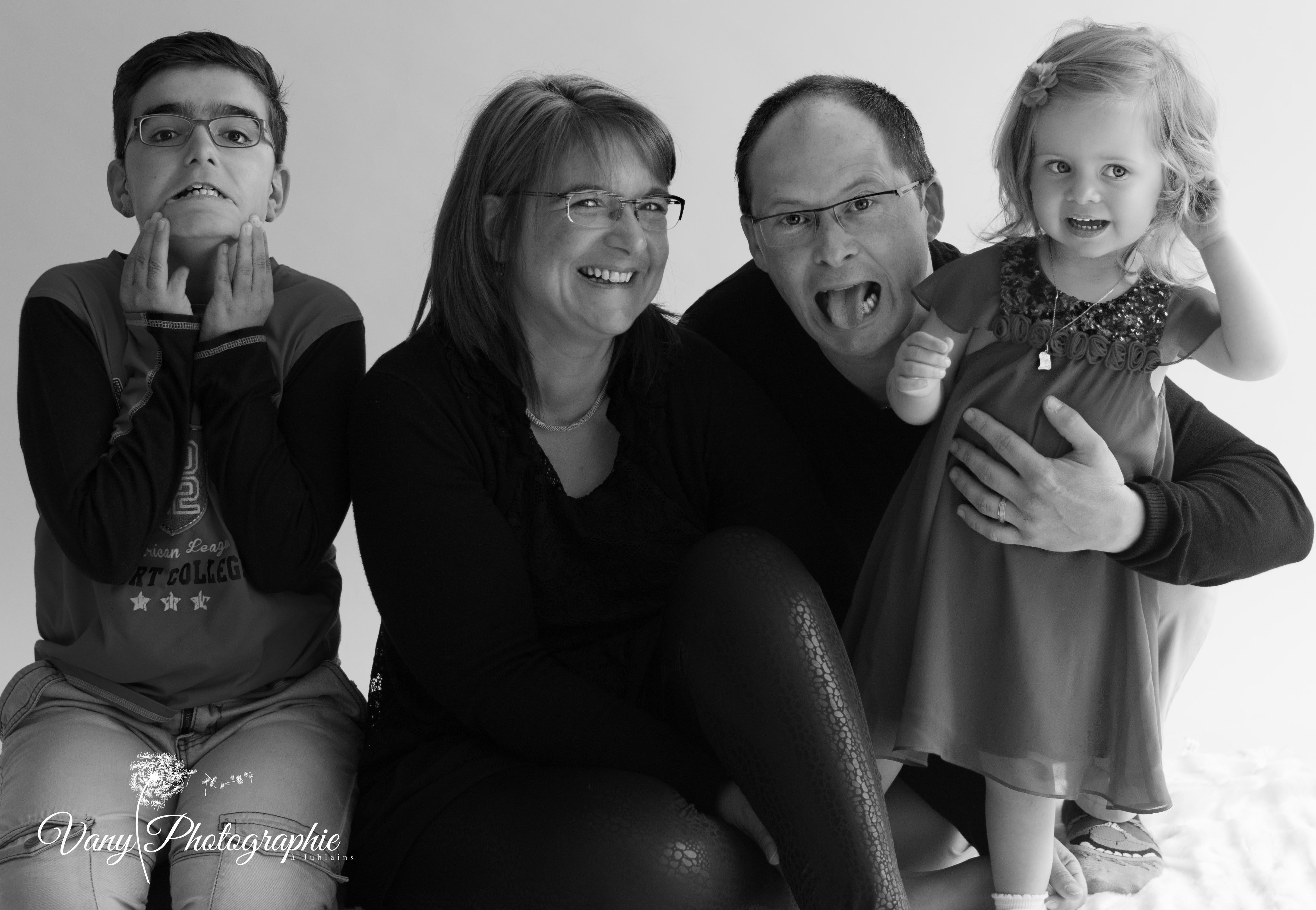 Photographe séance famille en Mayenne