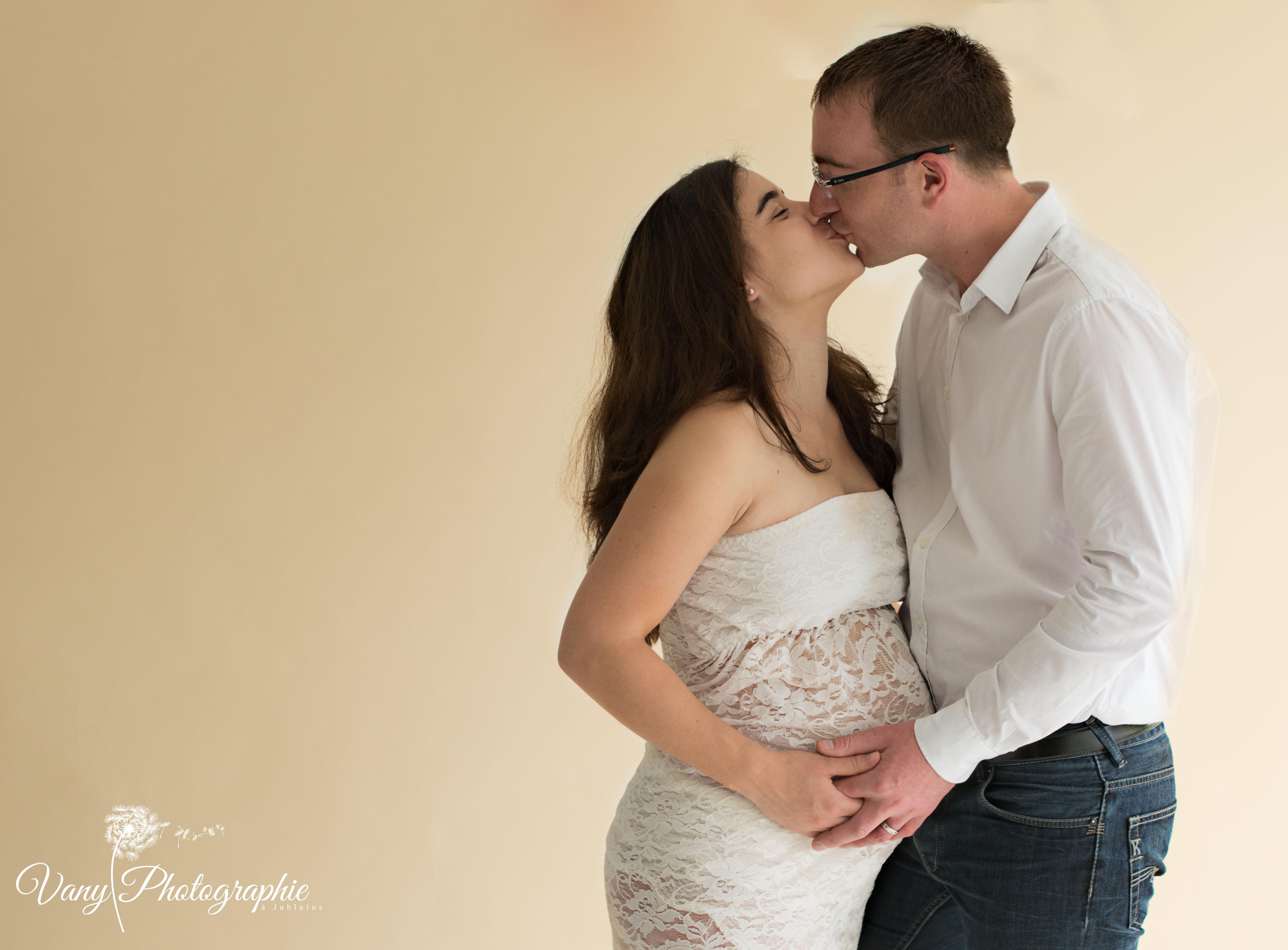 Photographe grossesse en Mayenne