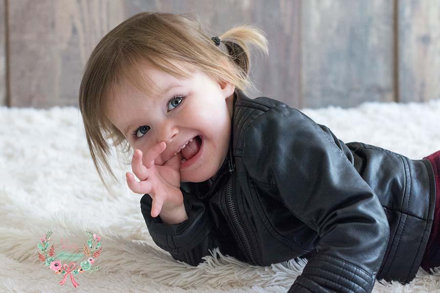 Photographe bébé et enfant Mayenne