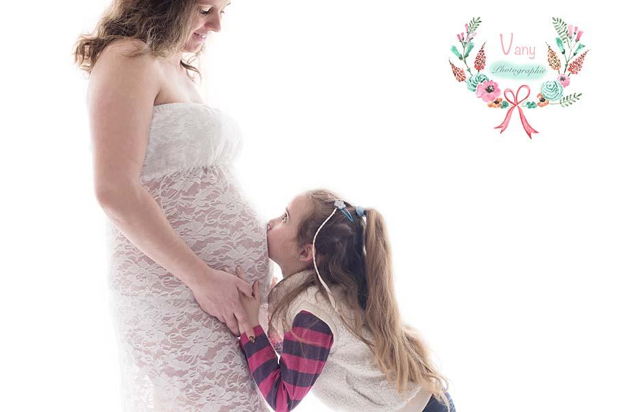 Séance maternité photographe Mayenne